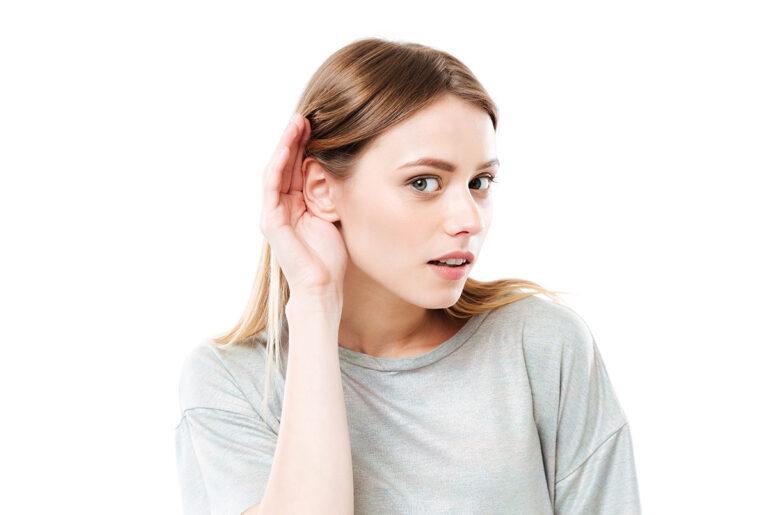 Aprende qué es la escucha activa y cómo practicarla para mejorar tus habilidades de comunicación