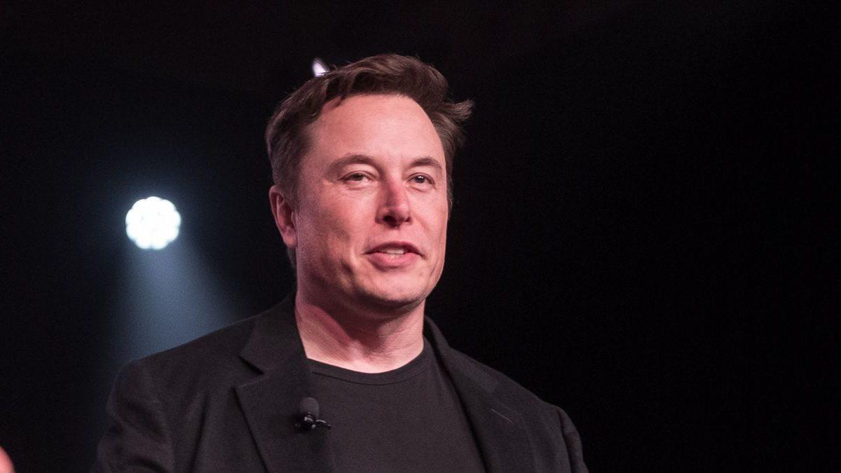 """Elon Musk: """"Hay demasiados MBA dirigiendo empresas"""""""